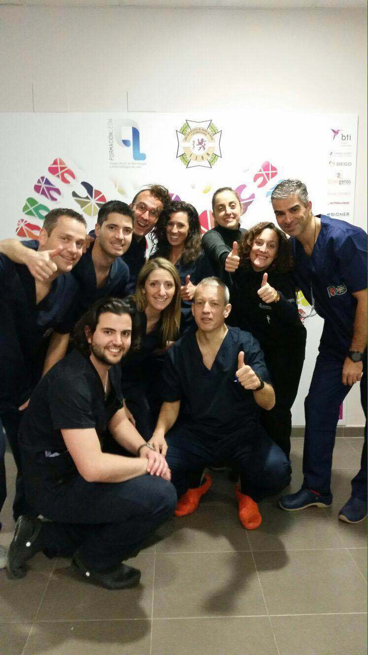 Master-cirugia-bucal-implantologia-periodoncia-universidad-de-Leon-2016